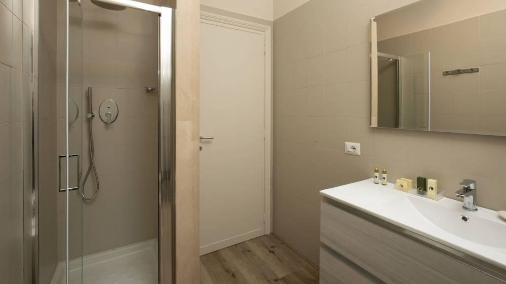 Hotel-Residence-Valle-del-Buttero-Capalbio-Camere-2021-Superior-Collina-Bagno-3