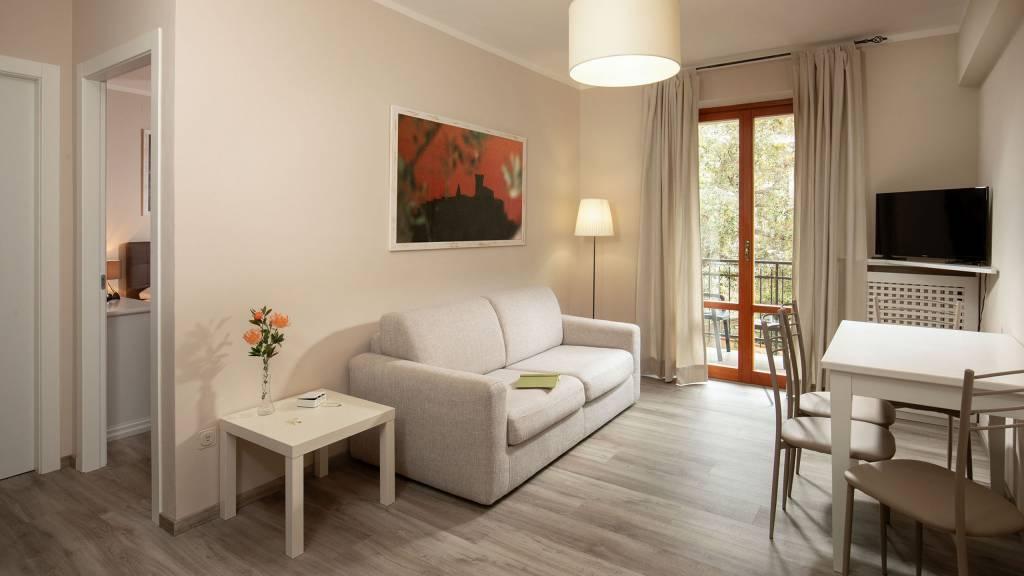 Hotel-Residence-Valle-del-Buttero-Capalbio-Camere-2021-Superior-Primo-Piano-soggiorno-3