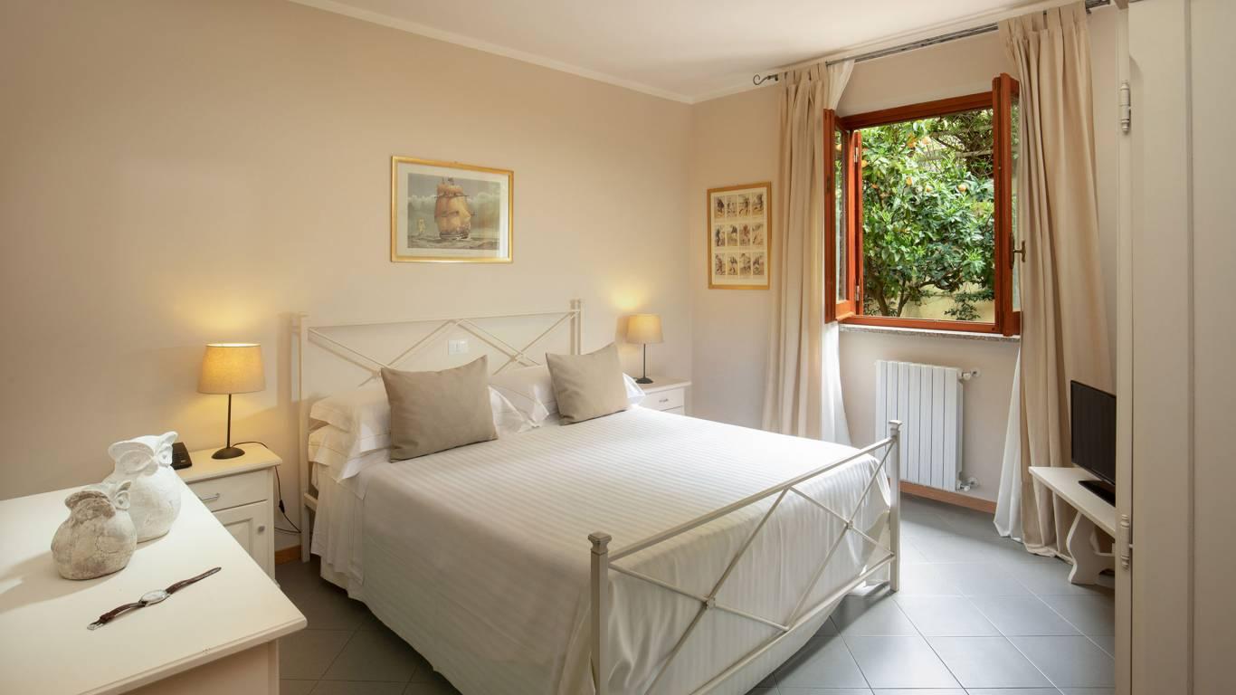 Hotel-Residence-Valle-del-Buttero-Capalbio-Camere-2021-Superior-Piano-Terra-letto-3