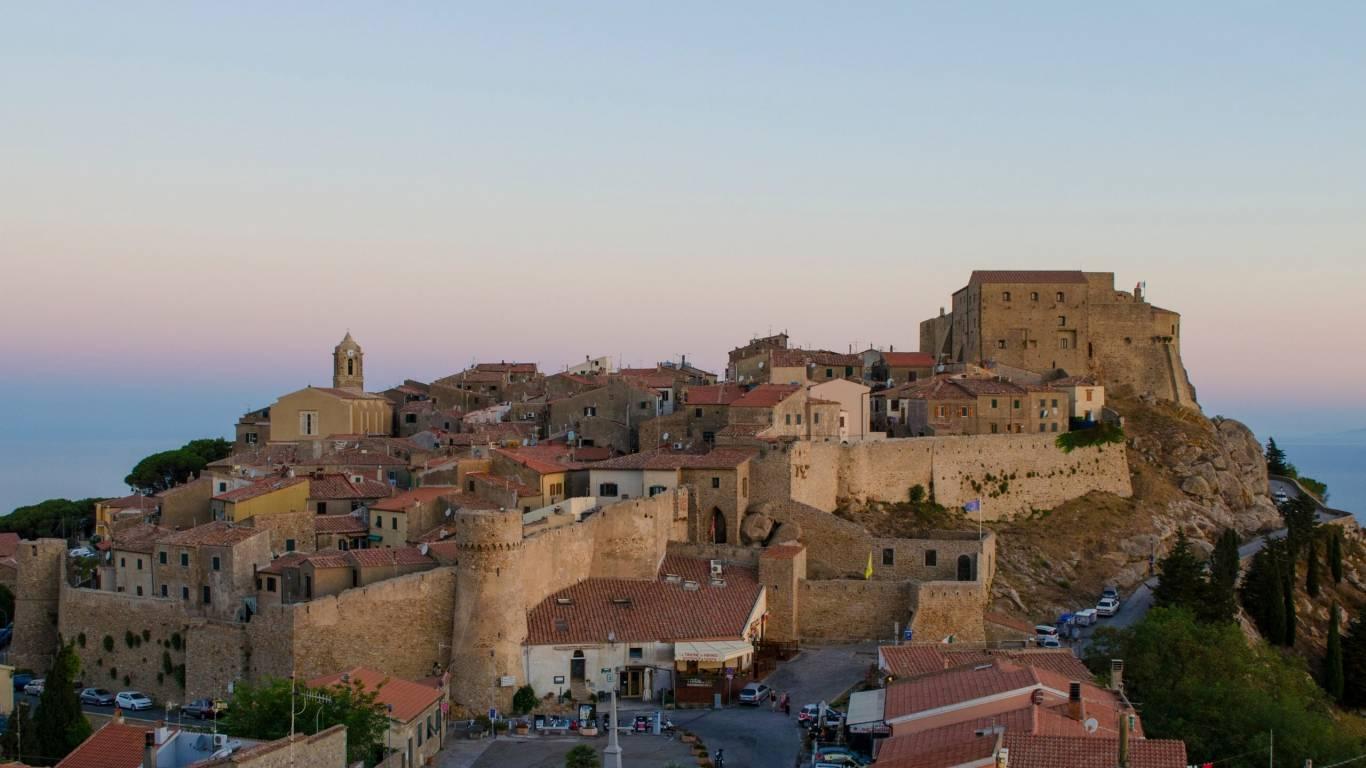 Hotel-Residence-Valle-del-Buttero-Capalbio-esperienze-giglio-castello