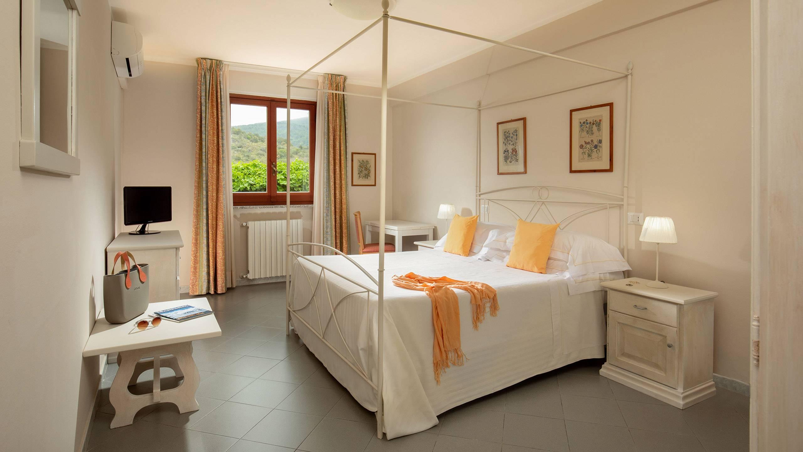 Hotel-Residence-Valle-del-Buttero-Capalbio-Camere-2021-Matrimoniale-Doppia-Letto-2