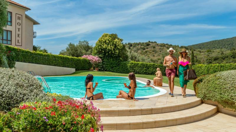 Hotel-Residence-Valle-del-Buttero-Capalbio-pool-44